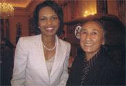 コンドリーザ・ライス元米国務長官とラビア・カーディルさん