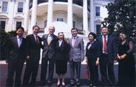 ジョージ・W・ブッシュ米大統領とラビア・カーディルさん